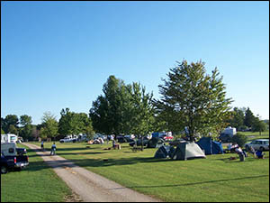 campground tent sites available at Pier-Lon Park in Medina OH